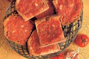 Tomat og hvidløgsbrød